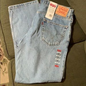 Levi's 550 Relaxed Fit Light Wash NWT 36 x 30